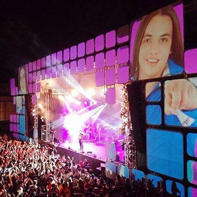 Wesley Safadão usa tecnologia que fãs aparecem no telão