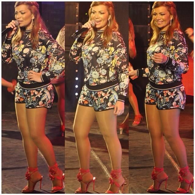 Solange Almeida destaca look usado no show em Arapiraca-AL
