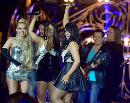 Calcinha Preta faz participação especial no DVD da Banda Calypso