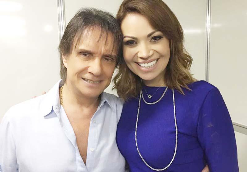 Solange Almeida tieta Roberto Carlos no show em Teresina-PI