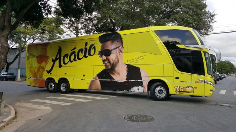 Ônibus do 'Acácio o Ferinha' ganha nova adesivagem