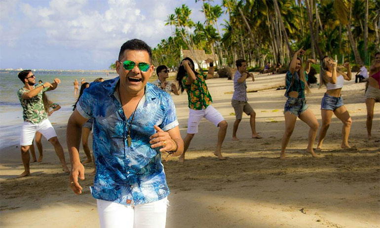 Batista Lima lança vídeo clipe da música 'Meia Volta'