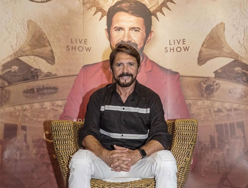 """Adelmário Coelho prepara """"Carrossel do Tempo"""" álbum em comemorção aos 25 de carreira"""