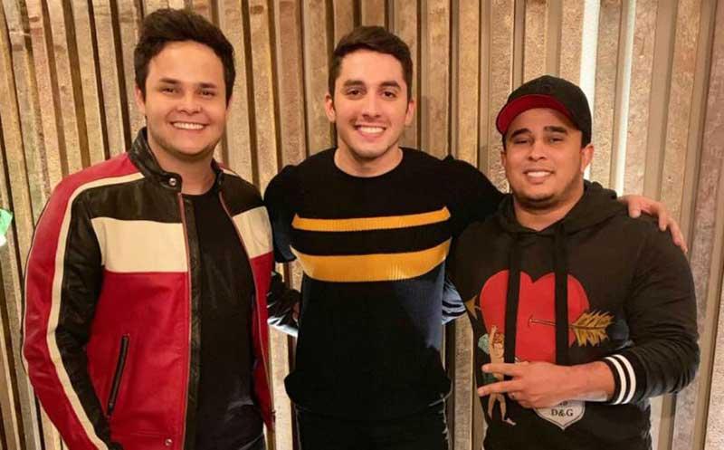 """Matheus e Kauan feat. Jonas Esticado """"Meu coração pegou ar"""""""