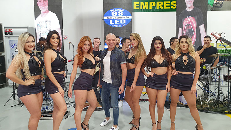 Breno Solto grava vídeo clipe do sucesso 'Patricinha' em São Paulo