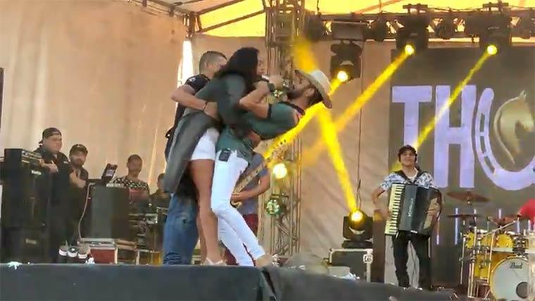 Thullio Milionário, o cantor beijoqueiro 'fugiu' do beijo em Santa Luz-BA